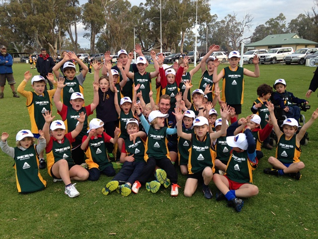 Adelaide Crows - CRT Country Crows Clinic @ Mundulla (June 2015)
